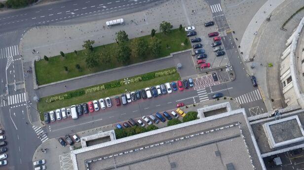 Działka przy dawnej Chmielnej 70 TVN24