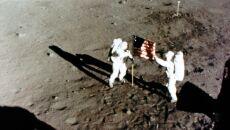 Aldrin i Armstrong na powierzchni Księżyca