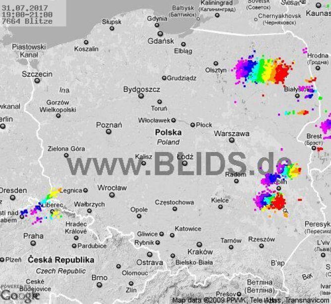 Zobacz, gdzie do godziny 21 występowały burze (blids.de)
